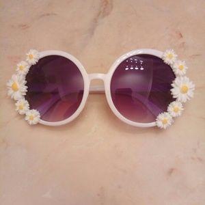 Accessories - Women's Daisy Sunglasses
